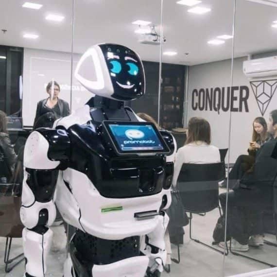 Robótica de serviço: máquinas na rotina mecânica