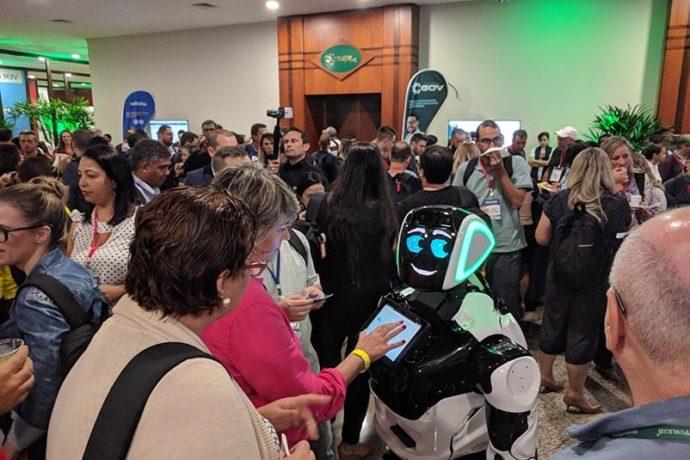 Novidades robóticas: integração com novas mídias